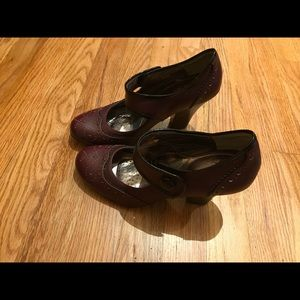 Brand new heeled Sofft maryjane pumps